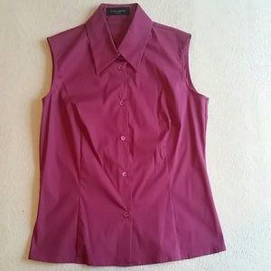 Ladies no sleeve button down shirt